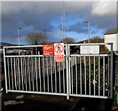 SS7597 : Padlocked gates at the northern end of platform 2, Neath station by Jaggery