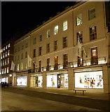 TQ2880 : Chanel shop by Thomas Nugent
