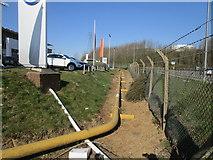 SE8912 : Oxygen pipeline by Jonathan Thacker