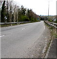 ST3091 : National Speed Limit signs alongside the A4042, Cwmbran by Jaggery
