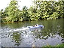 TQ0866 : Driving Down The Thames by Sean Davis
