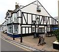 SX9372 : Black & white, Fore Street, Shaldon by Jaggery
