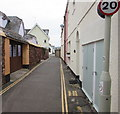 SX9372 : 20mph speed limit sign, Riverside, Shaldon by Jaggery