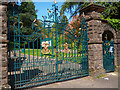 ST3087 : Belle Vue Park, closed (2) by Robin Drayton