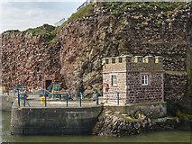 NT6779 : Ordnance Survey Tide Gauge House, Dunbar Harbour by Martin Froggatt
