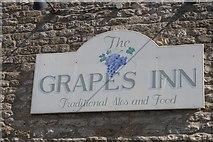 SE7576 : Grapes Inn, Great Habton by Ian S
