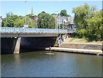 SX9192 : Paddle boarding under Exe Bridge South, Exeter by David Smith