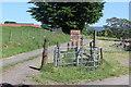 SO1800 : Drive to Ty'r Sais Stables, Ty'r Sais Lane by M J Roscoe