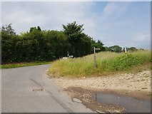 SU8700 : Footpath sign at junction of Punches Lane and Manor Lane by Jeff Gogarty