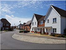 SU9201 : New homes on Lakeland Avenue, Berstead by Jeff Gogarty