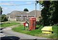 SU2584 : Phone Box, Parish Notices etc. at Idstone by Des Blenkinsopp