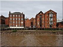 TA1028 : High Street, Kingston upon Hull by Bernard Sharp