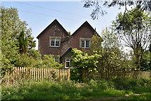 TQ5936 : House, Brickhouse Farm by N Chadwick