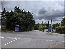 TQ5571 : Darenth Road/Darenth Hill/Parsonage Lane junction, Darenth by Paul Williams