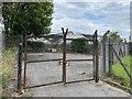 SO0208 : Gated yard by Alan Hughes