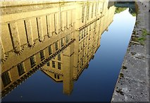 SE1438 : Salts Mill by michael ely