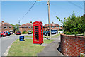 SU5123 : Telephone Box Library in Beech Grove by Barry Shimmon