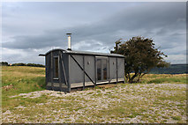 SE1544 : Converted Goods Wagon on Stocks Hill by Chris Heaton