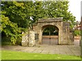SK7053 : Minster churchyard gateway, Southwell by Alan Murray-Rust