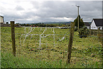 H5572 : Wire fence, Mullaslin by Kenneth  Allen