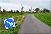 H5672 : Diversion sign along Tullyneil Road by Kenneth  Allen