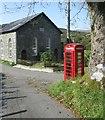 SH5345 : Capel a chiosg / Chapel and kiosk by Ceri Thomas