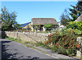 SP2304 : Old Stone Walls, Filkins by Des Blenkinsopp