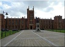 J3372 : Queen's University by Gerald England