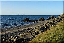 NX1391 : Shore near Pinbain Bridge by Anne Burgess