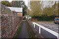 SU6376 : Path leading to Ferry Lane, Pangbourne by Ian S