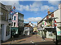 SZ4995 : Shooters Hill, Cowes by Malc McDonald