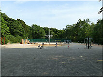 SE1731 : Outdoor gym in Bowling Park by Stephen Craven