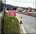 ST3091 : Workforce In Road - Slow, Malpas, Newport by Jaggery