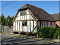 SP0448 : Timber-framed granary by Philip Halling