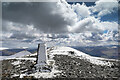 NY2629 : Skiddaw summit ridge by Andy Waddington
