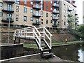 SE2833 : Footbridge at St Ann's Ing lock by Stephen Craven