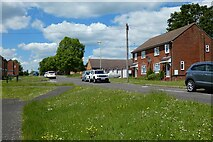 SU7349 : Kersley Crescent, Odiham by Andrew Smith