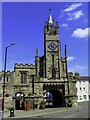 SP2864 : The Eastgate and Chapel of St Peter in Warwick by Steve Daniels