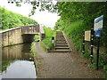 SE1215 : Huddersfield Narrow Canal, Huddersfield by Malc McDonald