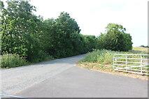 TL2967 : Farm track by Potton Road, Hilton by David Howard
