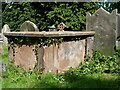 SJ8004 : Chest tomb to Ann Gold by Richard Law