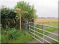 SU7595 : Chiltern Way junction by Studdridge Plantation by David Hawgood