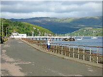 NR9873 : Tighnabruaich Pier by Thomas Nugent
