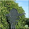 SP3482 : Canal Entry Marker, Little Heath Bridge by Alan Murray-Rust