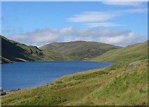 NN6039 : Lochan na Lairige by Richard Webb