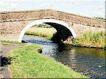 SD7130 : Canal bridge 107 (Cut Bridge) on the Leeds/Liverpool Canal by Mike and Kirsty Grundy