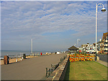 TQ7307 : The Promenade, West Parade, Bexhill, Sussex by John Winfield