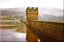 SK1789 : Derwent Reservoir, Peak District by Christine Matthews