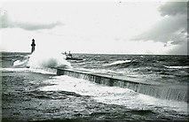 NJ9605 : South Breakwater, Aberdeen Harbour. by Peter Ward