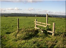 SE1220 : Stile onto footpath to Upper Edge, Fixby by Humphrey Bolton